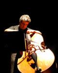 Five strings bass: maestria ed originalità formale